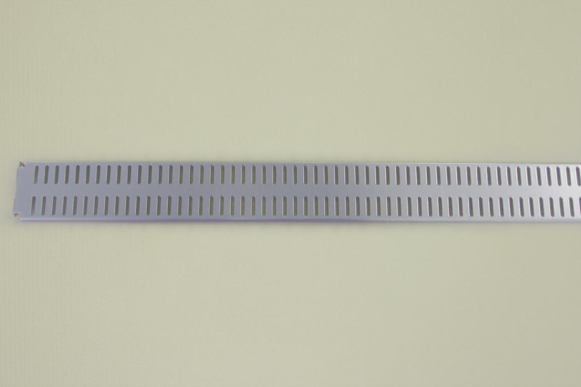 Перфорированная панель  90x6 см, платина