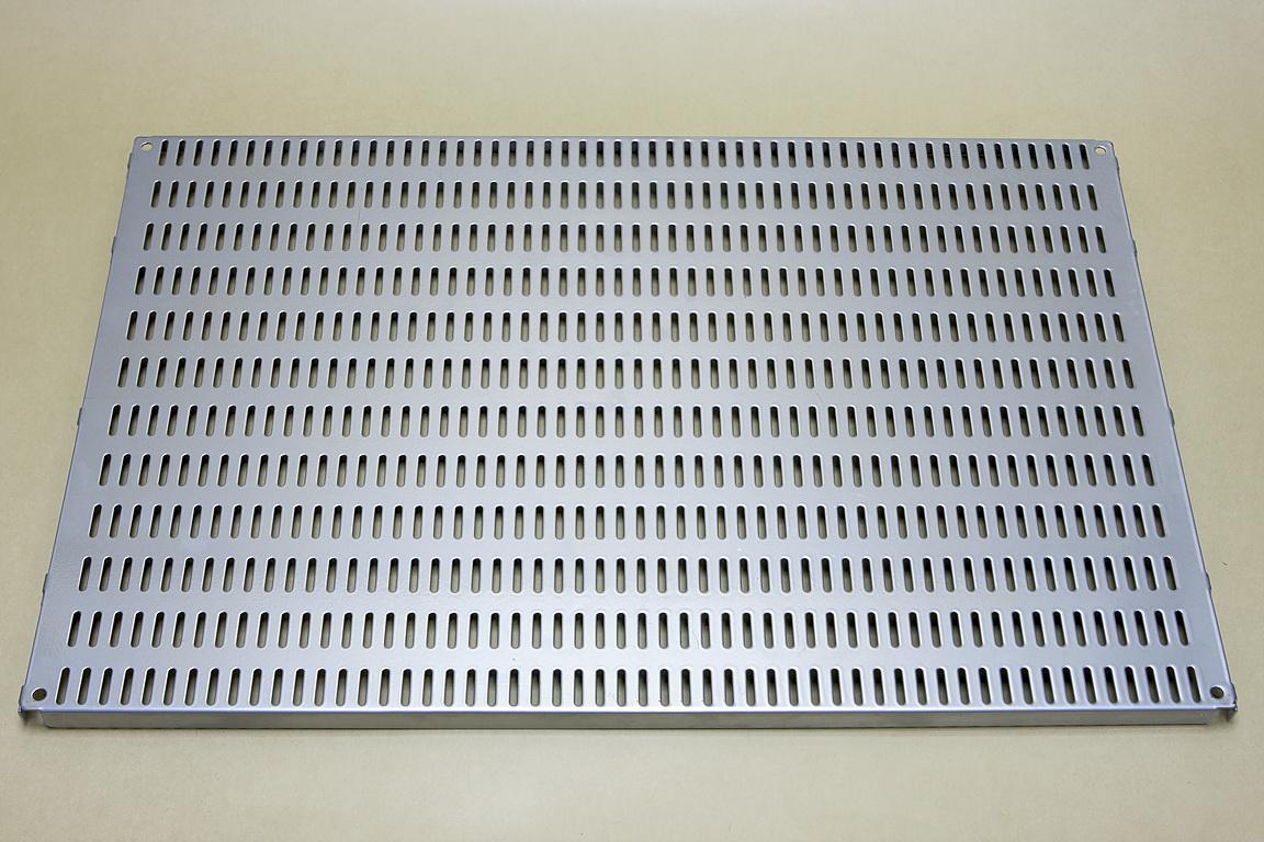 Перфорированная панель 60х38 см, платина
